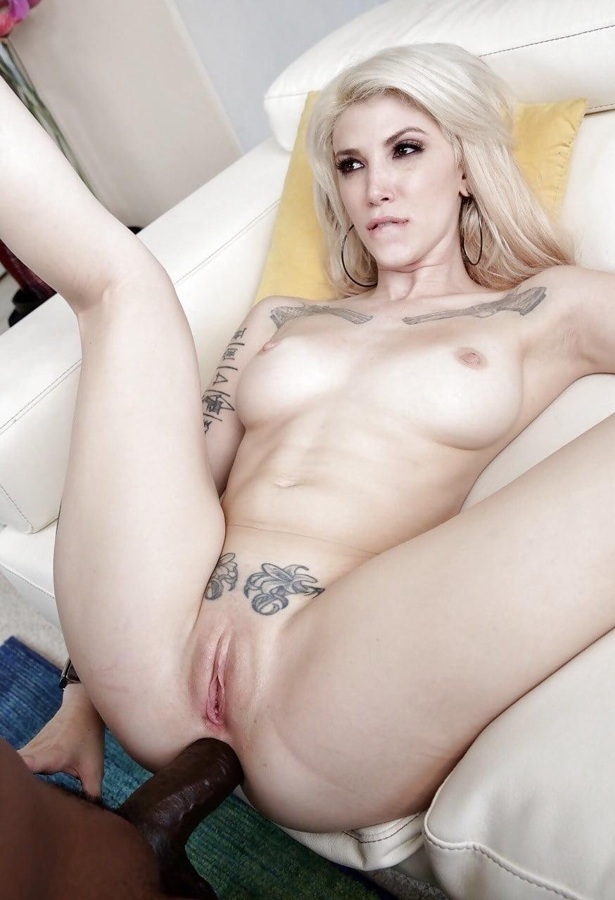 Секс с пышной татуированный блондинкой — photo 6