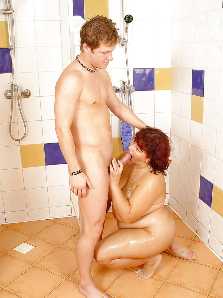Sex in shower with fat women — photo 13