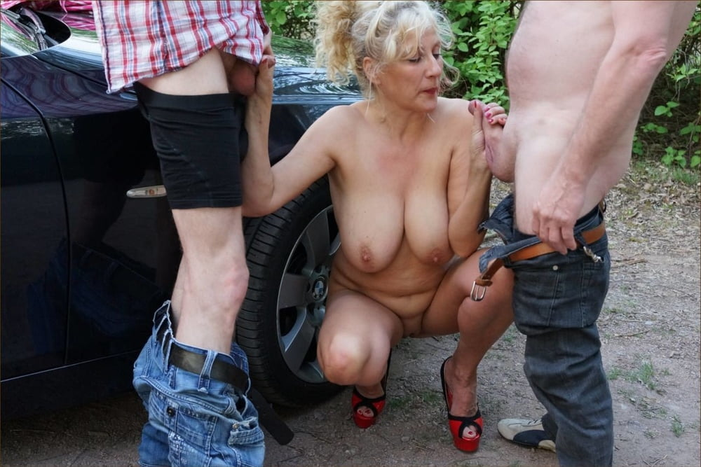 Nymphomanin Minititten Outdoor Lutschen