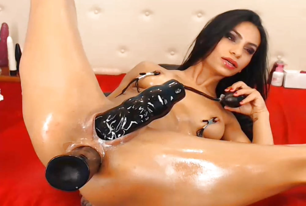 Horny Teen Girl Shoves An Inflatable Dildo Up Her Tiny Pussy And Ass