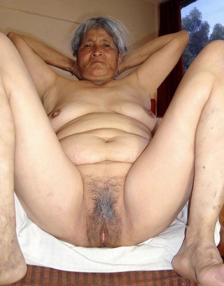 nude-grandma-indonesia-budak-sekolah-blow-job