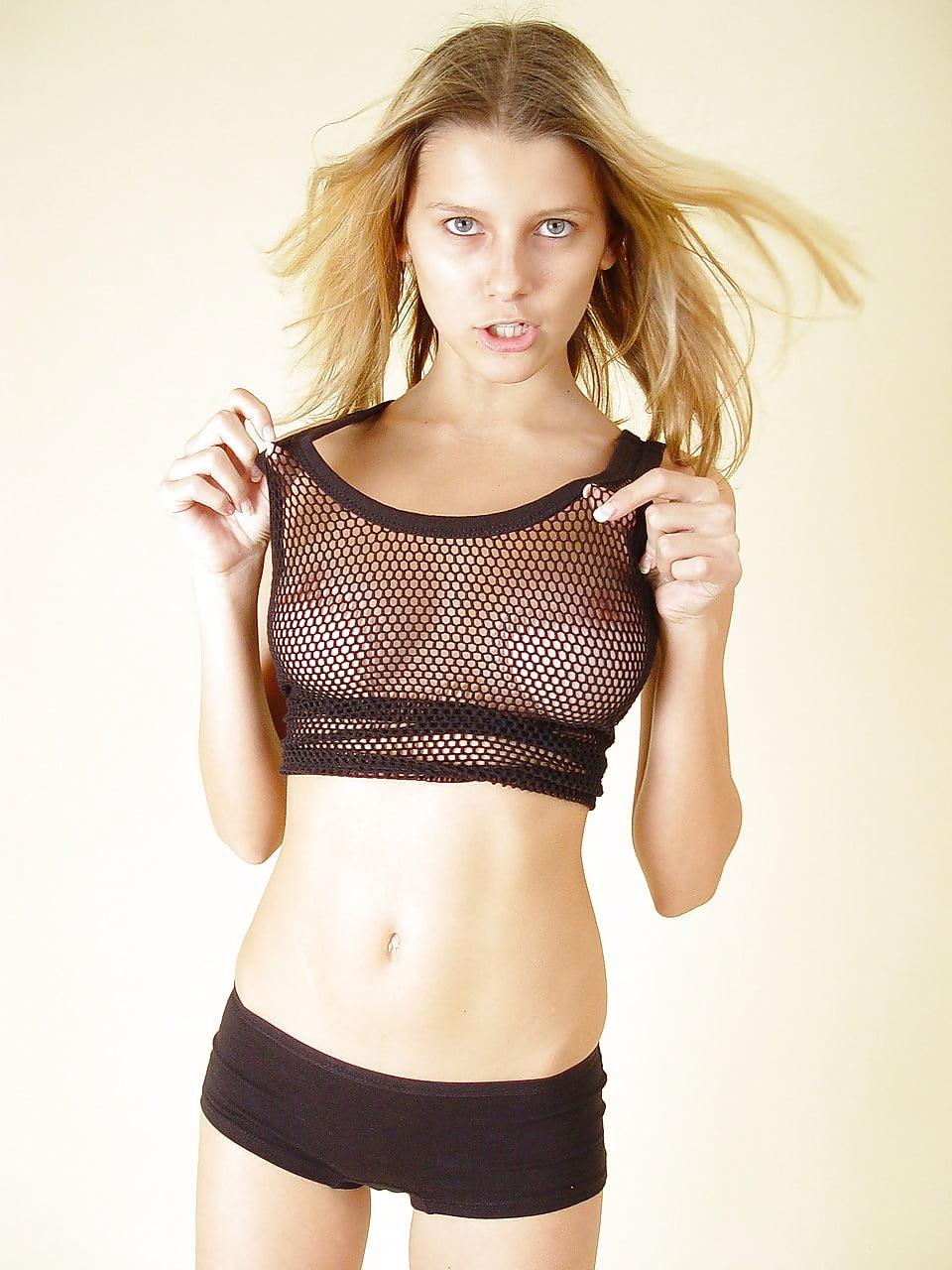 Jflo topless — pic 6