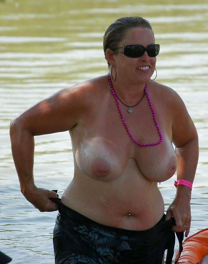 Chunky mature women-1027