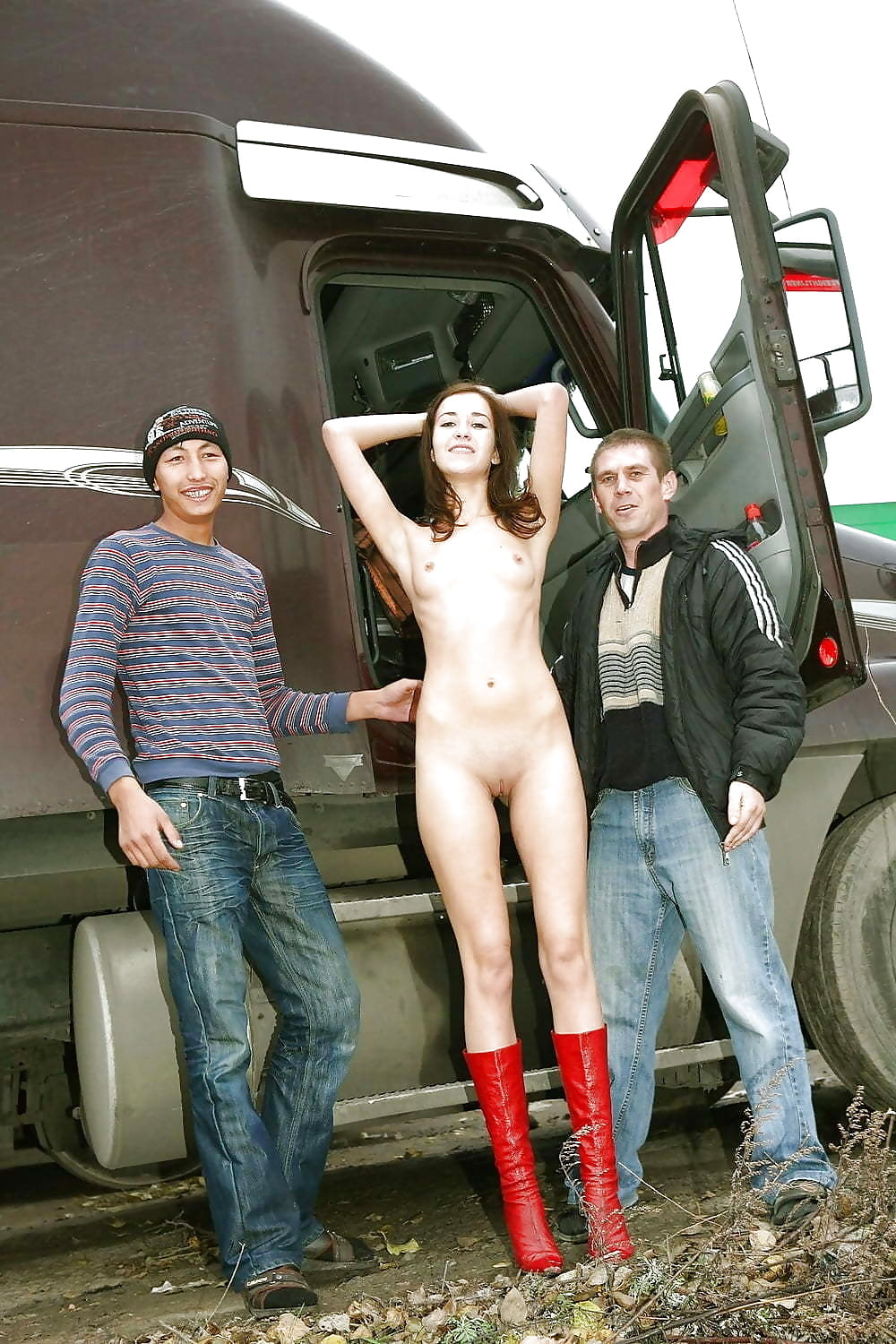 boy-free-nude-in-road-sex-woman-ass