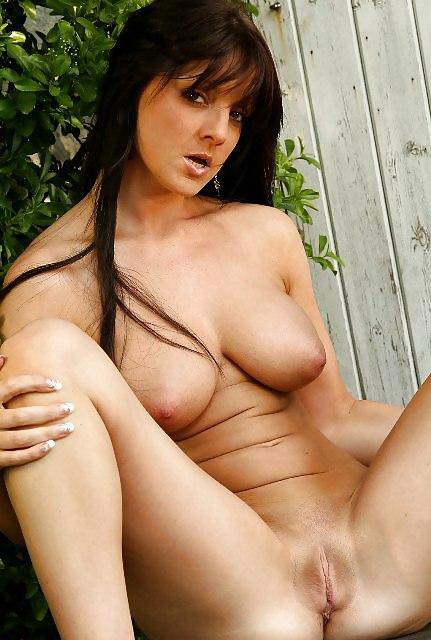 Evelina nude in sexy neighbour