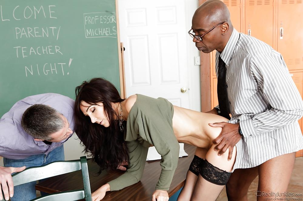 Pros of same sex classroom
