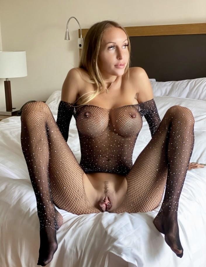 Slutwife in Fishnets - 55 Pics