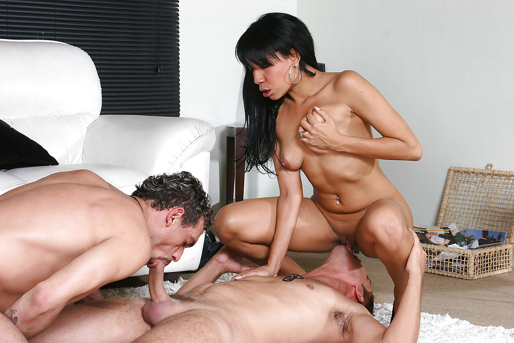 Mmf bisexual group fuck — pic 15