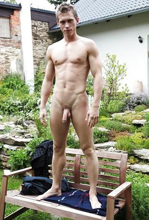 unzensiert nackt guy pics