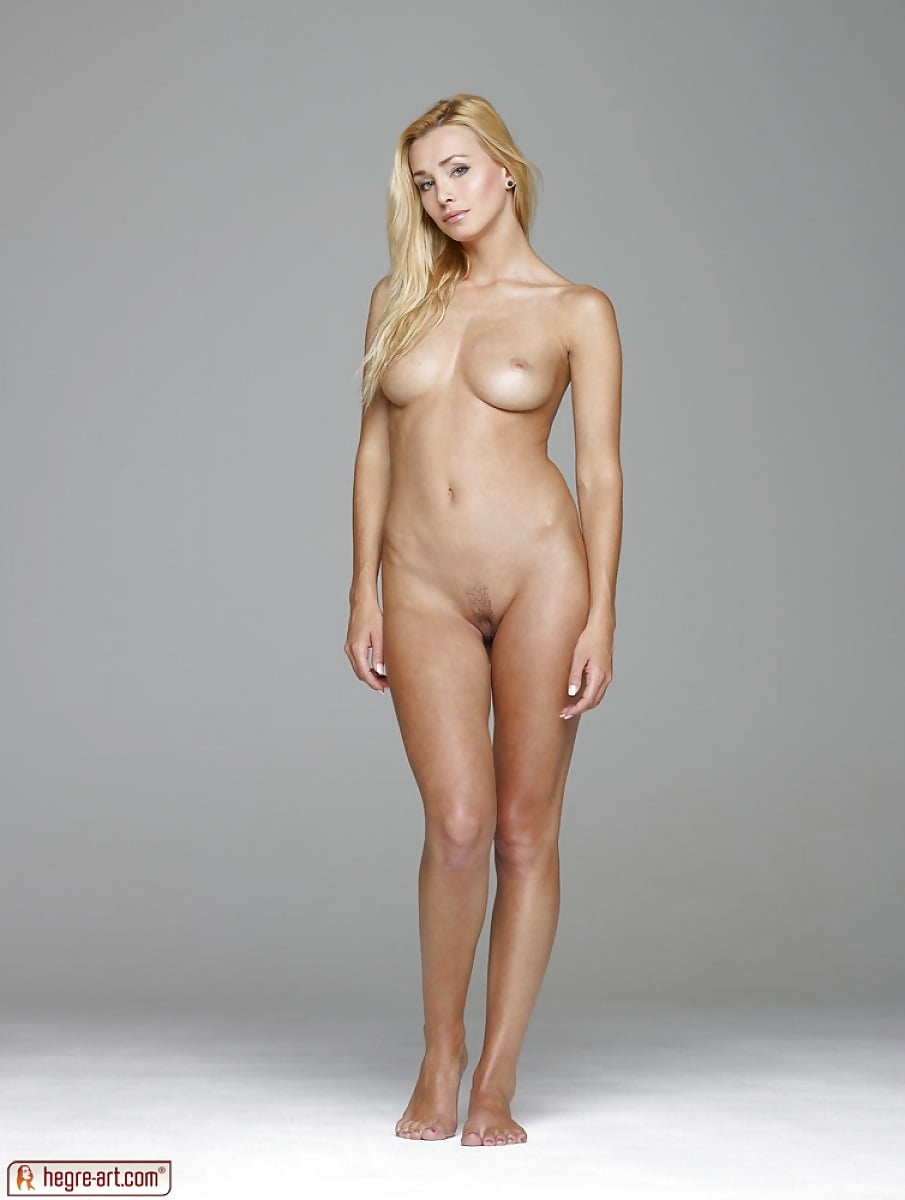 chubby girls spread ass