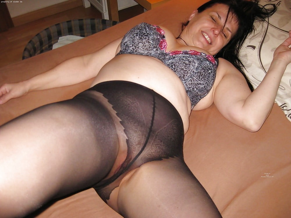 Free nude wife pantyhose pics — 7