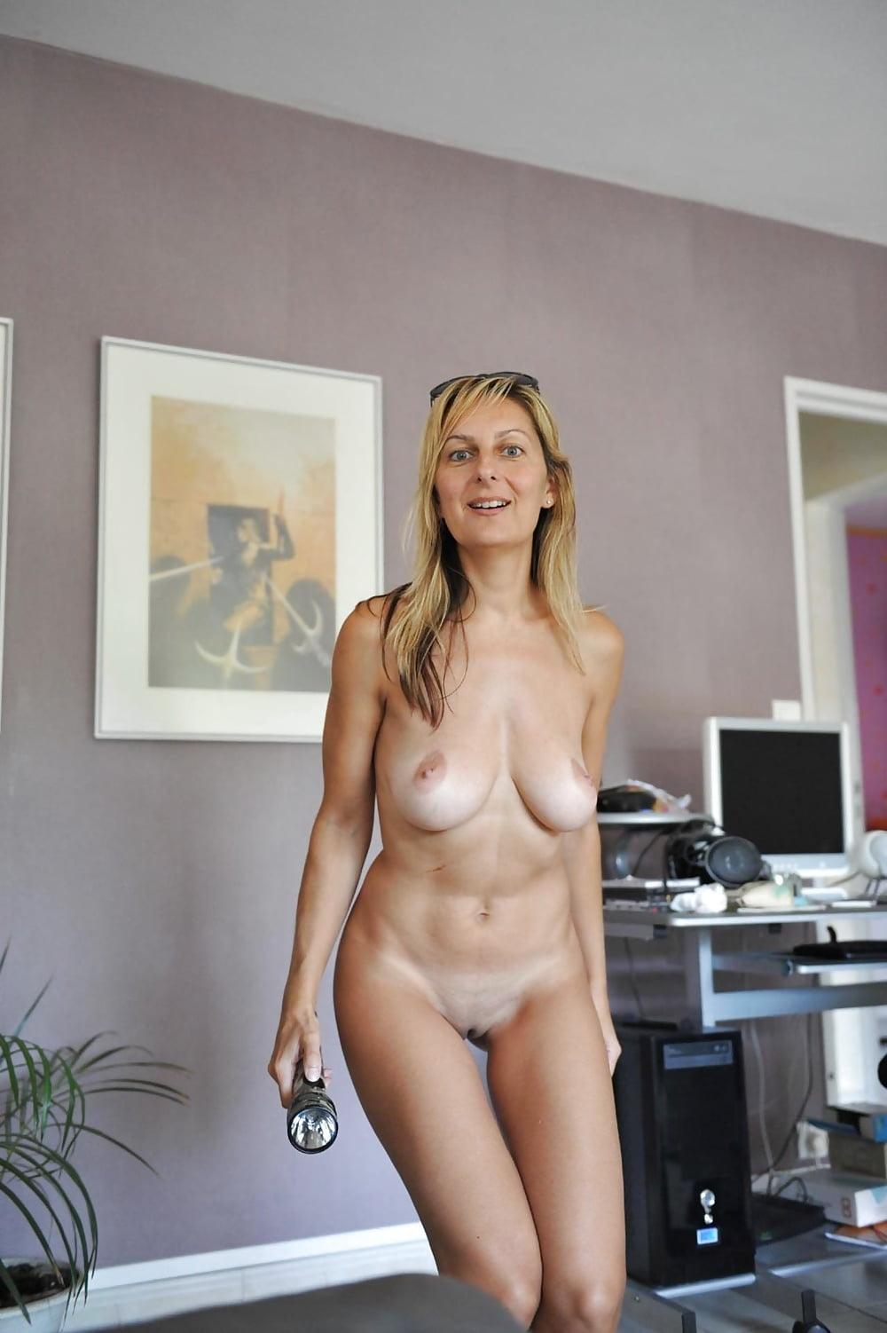 дома голые женщины видео - 3