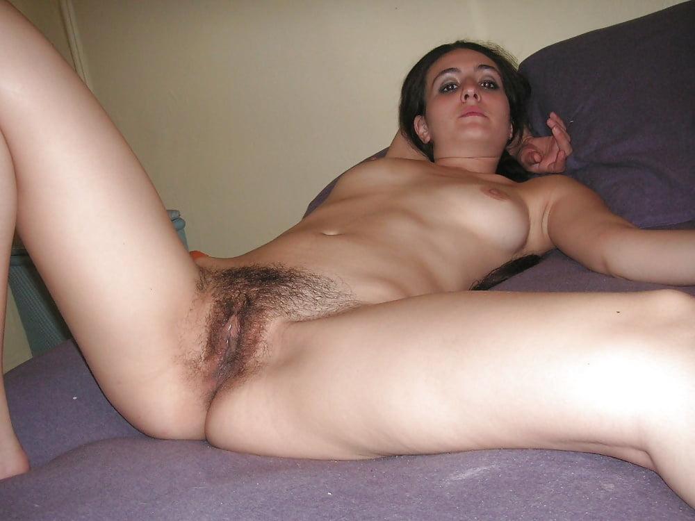 Amateur brunette hairy pussy