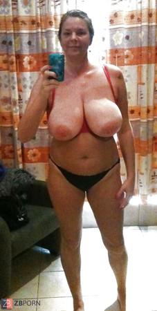 Nackt selfie milf YOLO Selfie