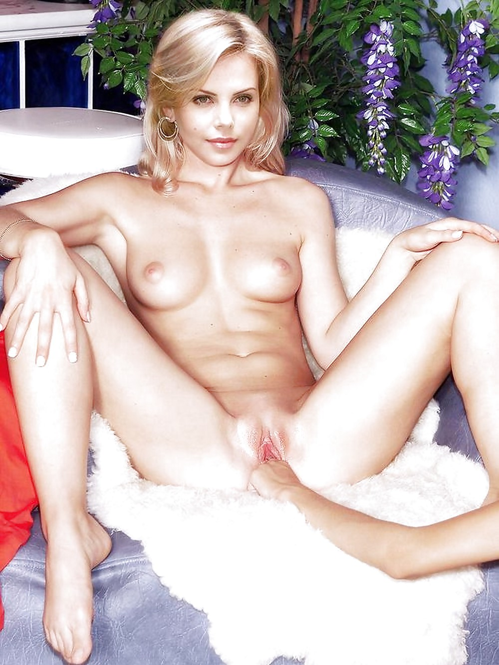 Charlize theronpussy, www black n white freesex com in foto com