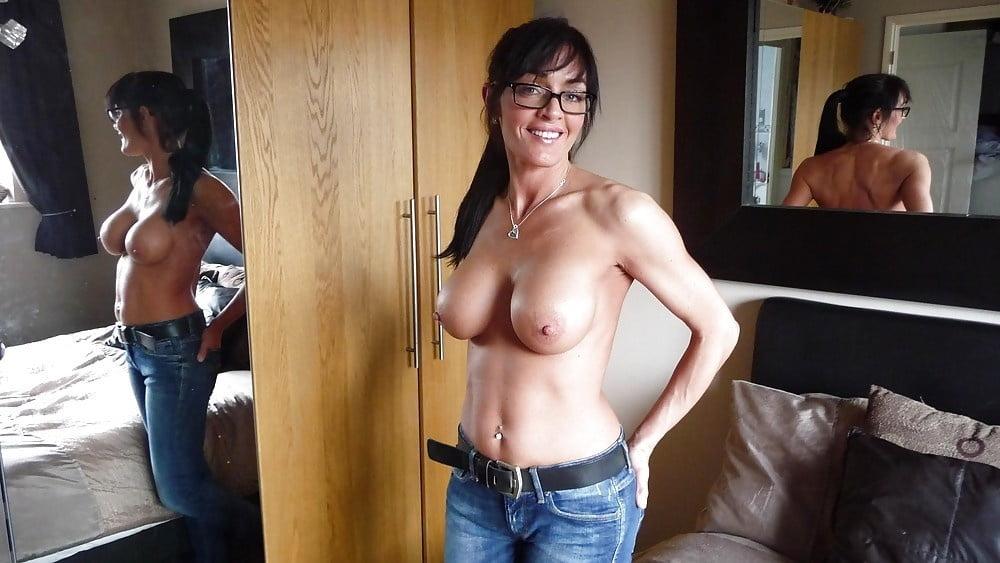tight-jeans-milfs-tits-bdsm-chat-room
