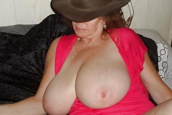 Huge tits milf cheating-6196