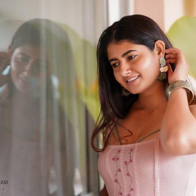 Outstanding Ashima Narwal - 9 Pics