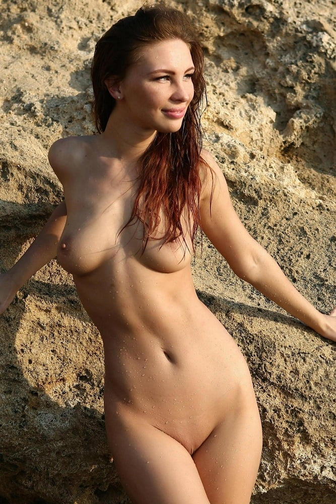 Free nude women picture
