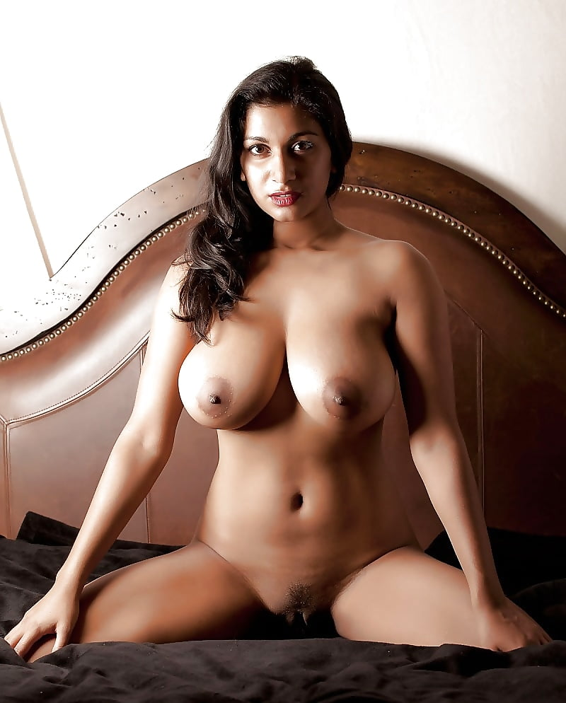 naviya-hot-naked-pics-sexy-top-twins-naked