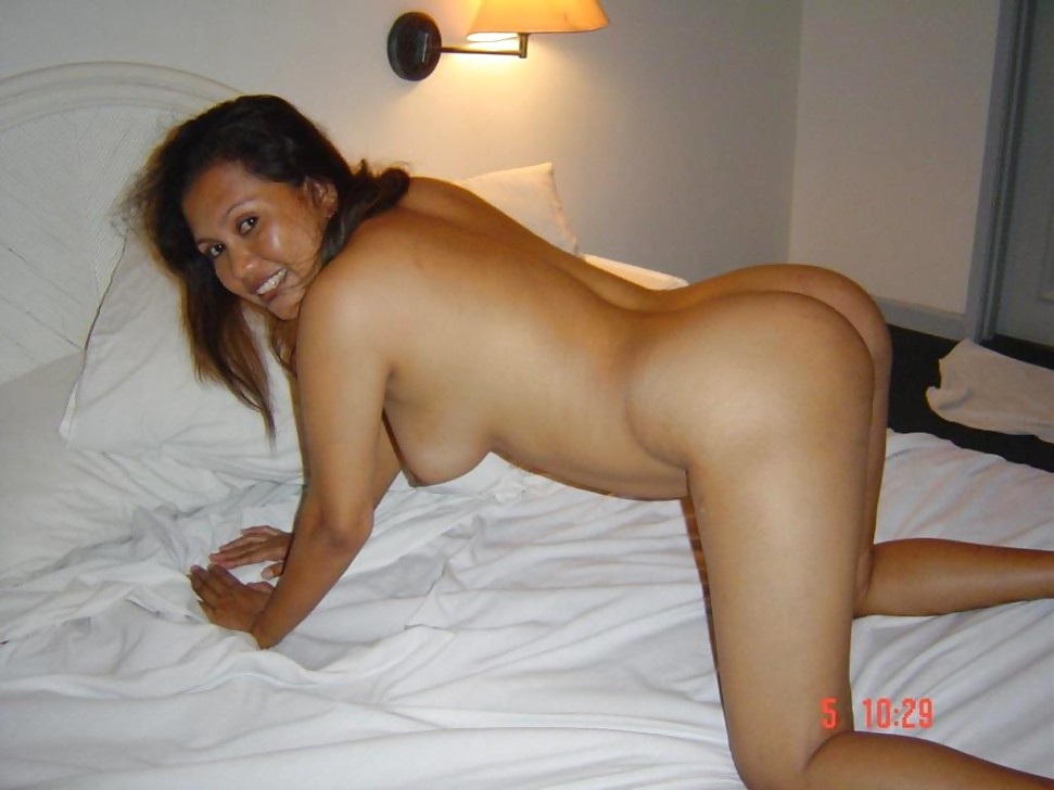 Singapore malay wife naked pic