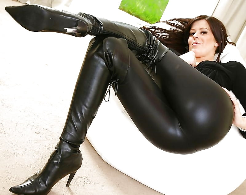 babes-from-leather-pants-sex