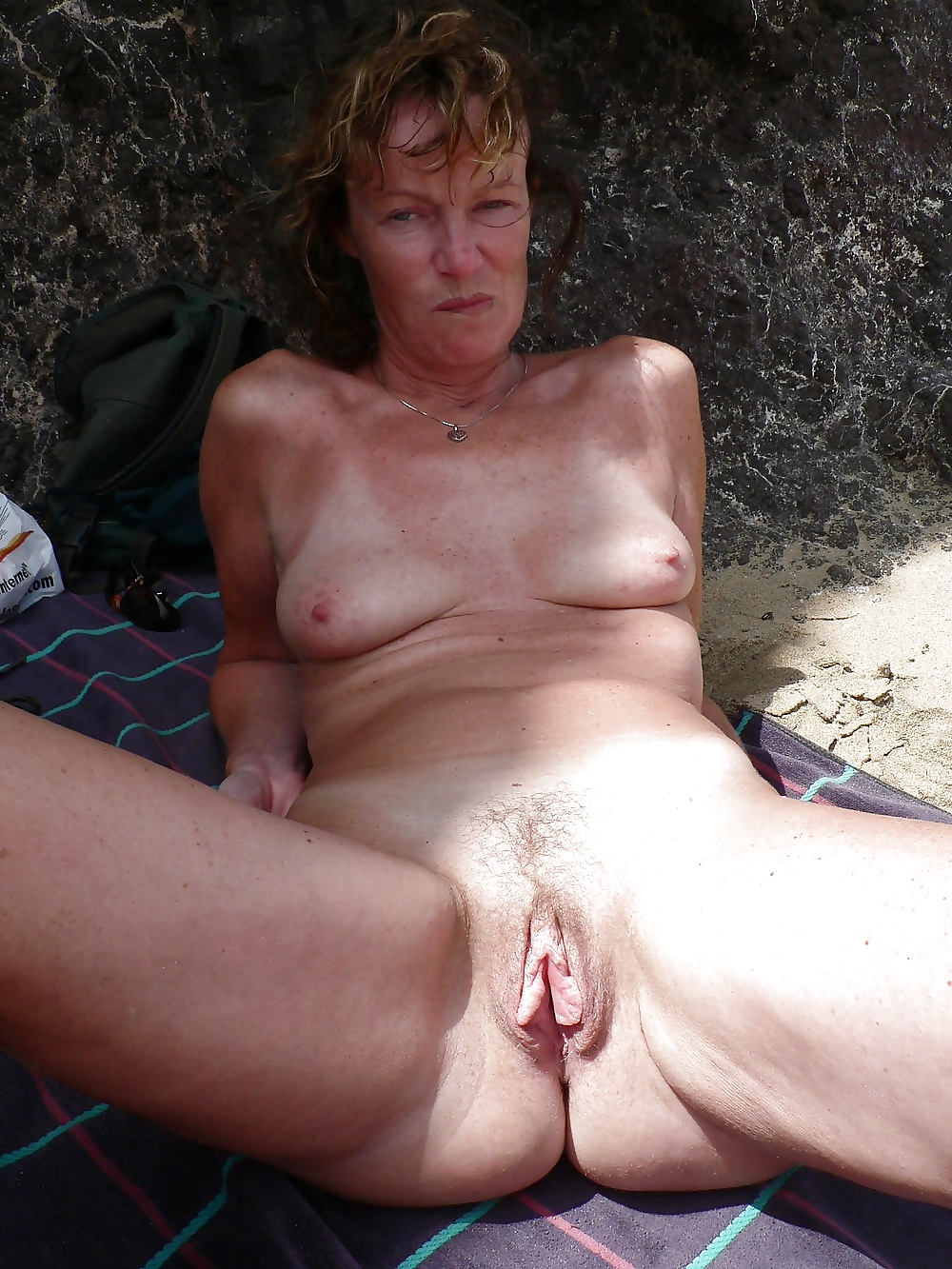 polish-mature-nudist-maria-shooting