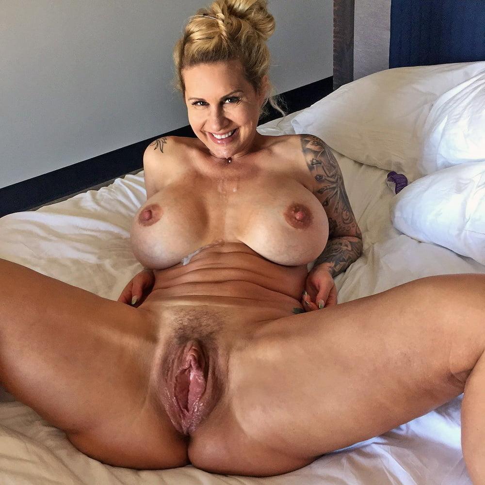 Nude cougars porn
