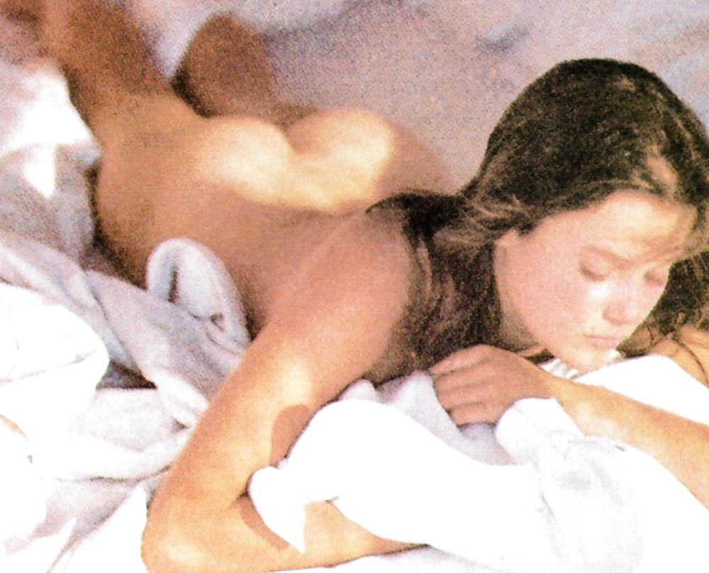 Showing Porn Images For Carey Lowell Xxxo Porn
