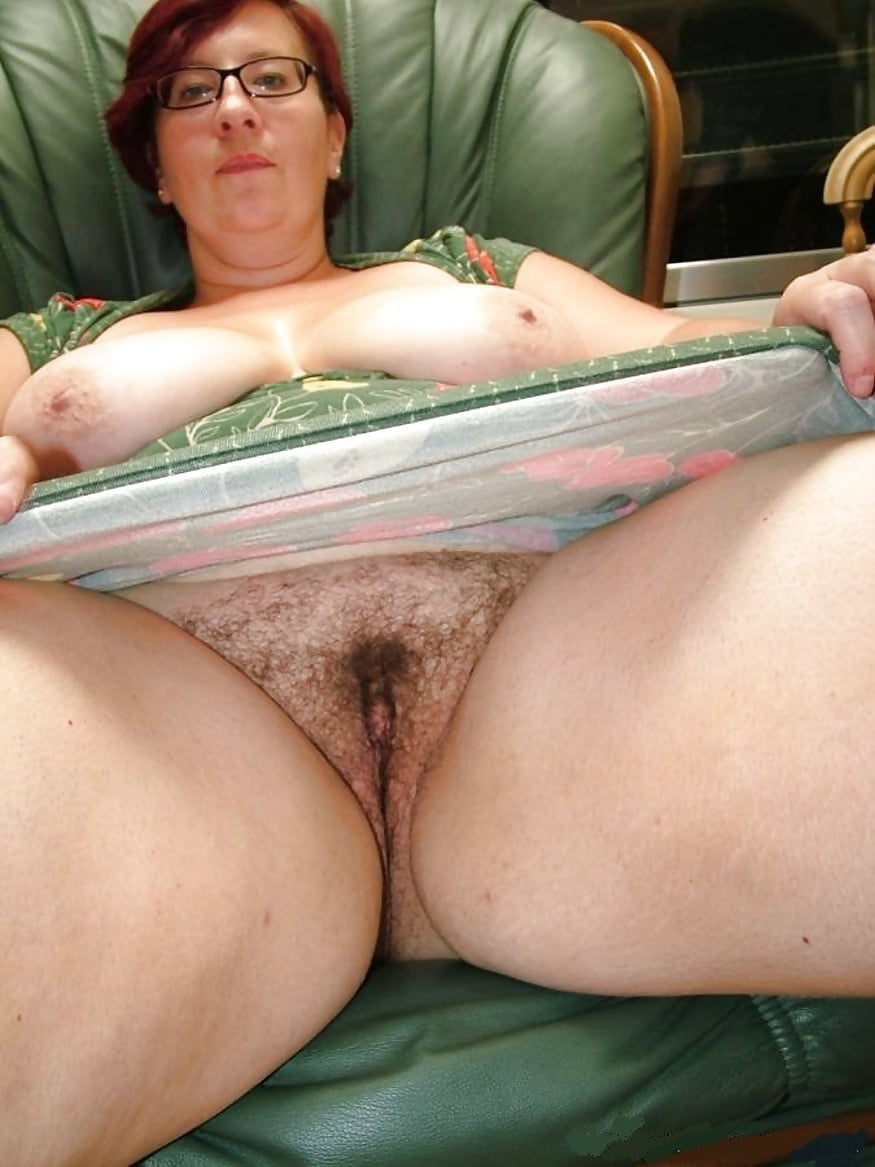 Thick and hairy women-7909