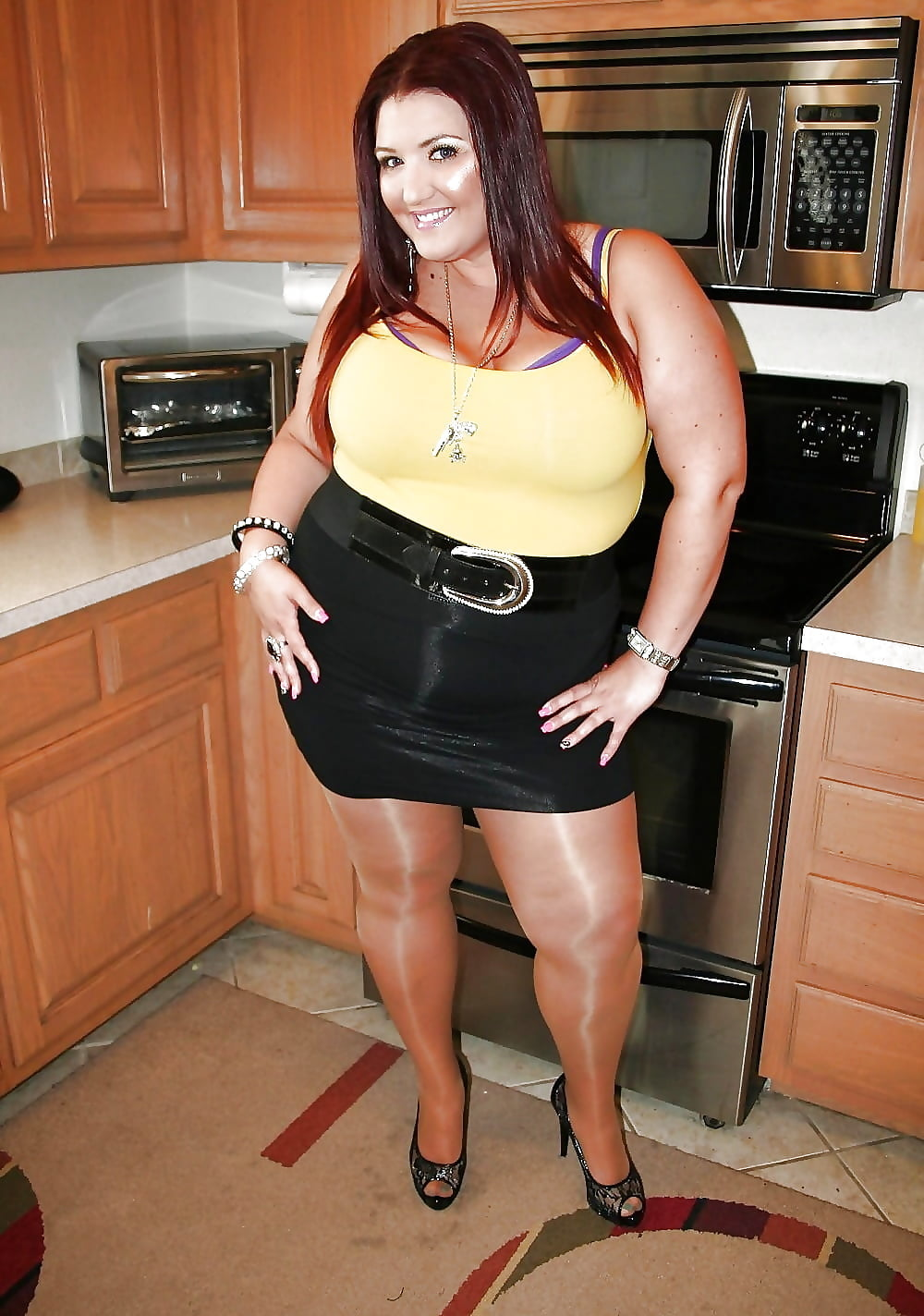 девушка красивую толстуху ебут стояли