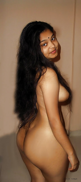 side boobs Indian