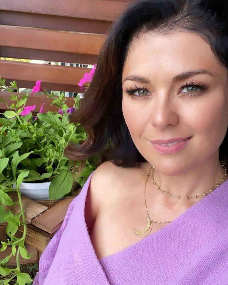Kasia Cichopek - 100 Pics