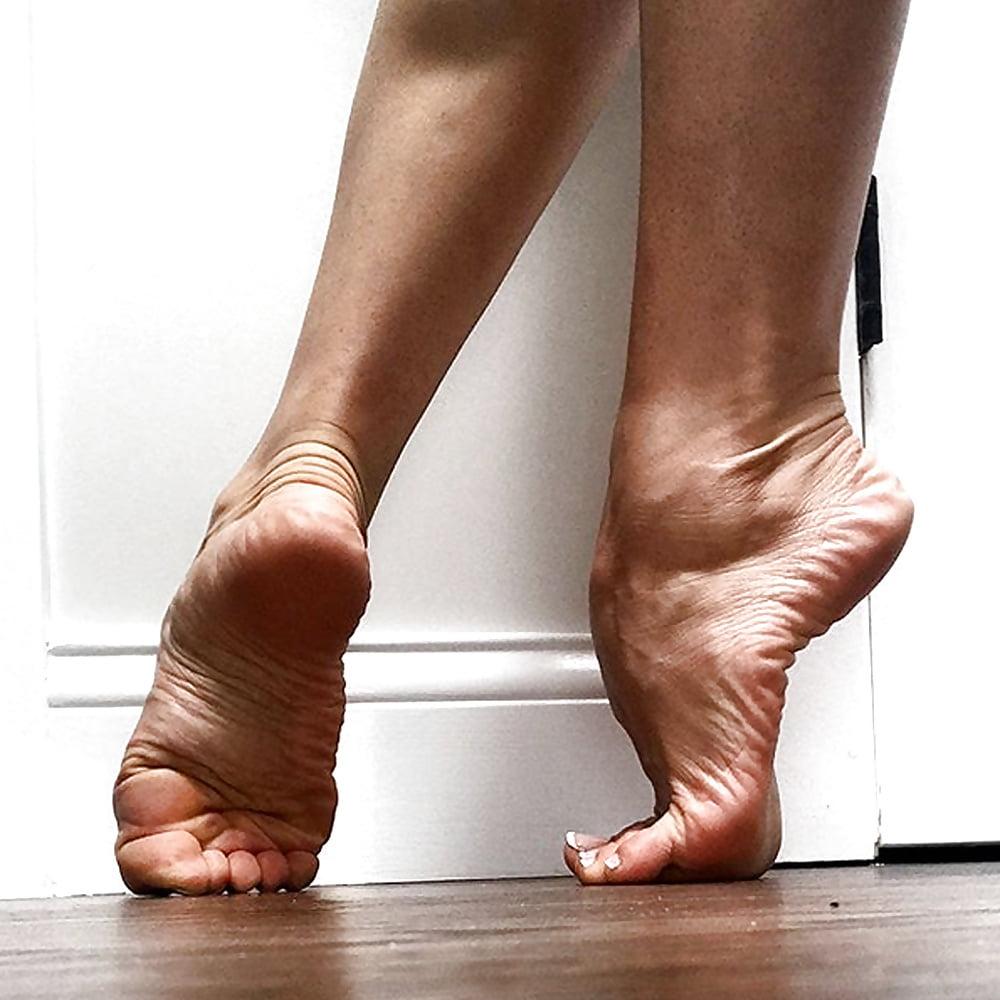 Biomechanics Of The Stiletto Strut Barefoot Strong Blog