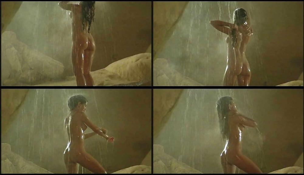 Phoebe cates nude private school