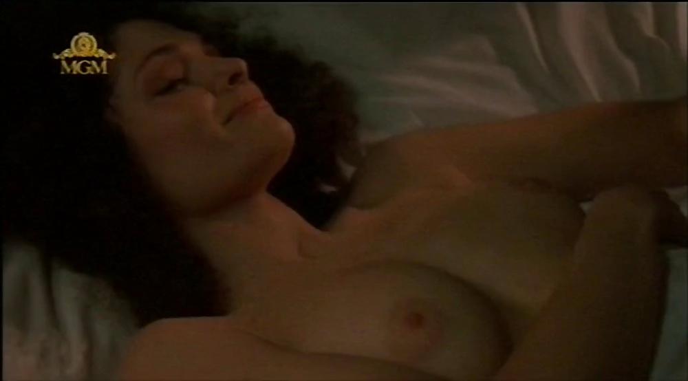 Mary elizabeth mastrantonio nude pics and pics