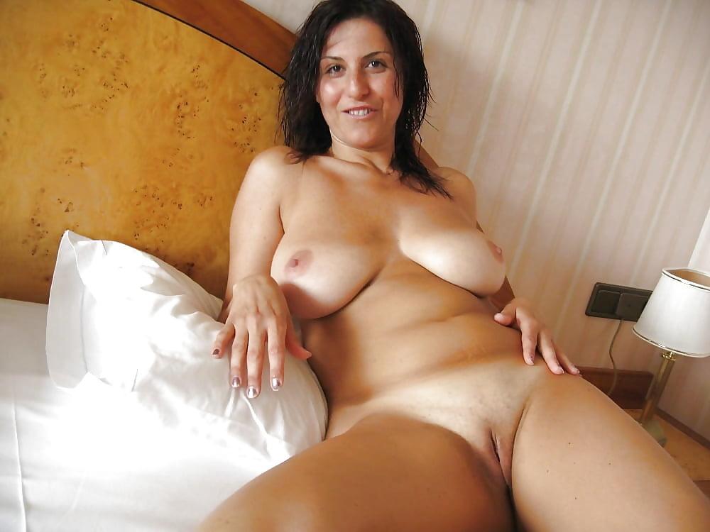 секс фото дома брюнетка в теле него есть