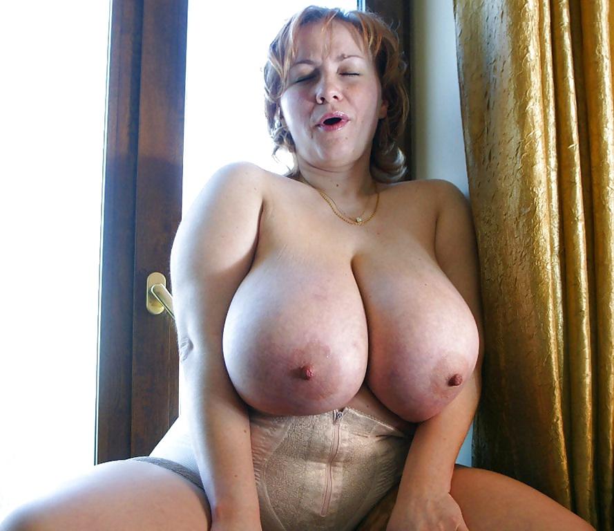 мне русская тетя с огромной грудью порно училку пустили