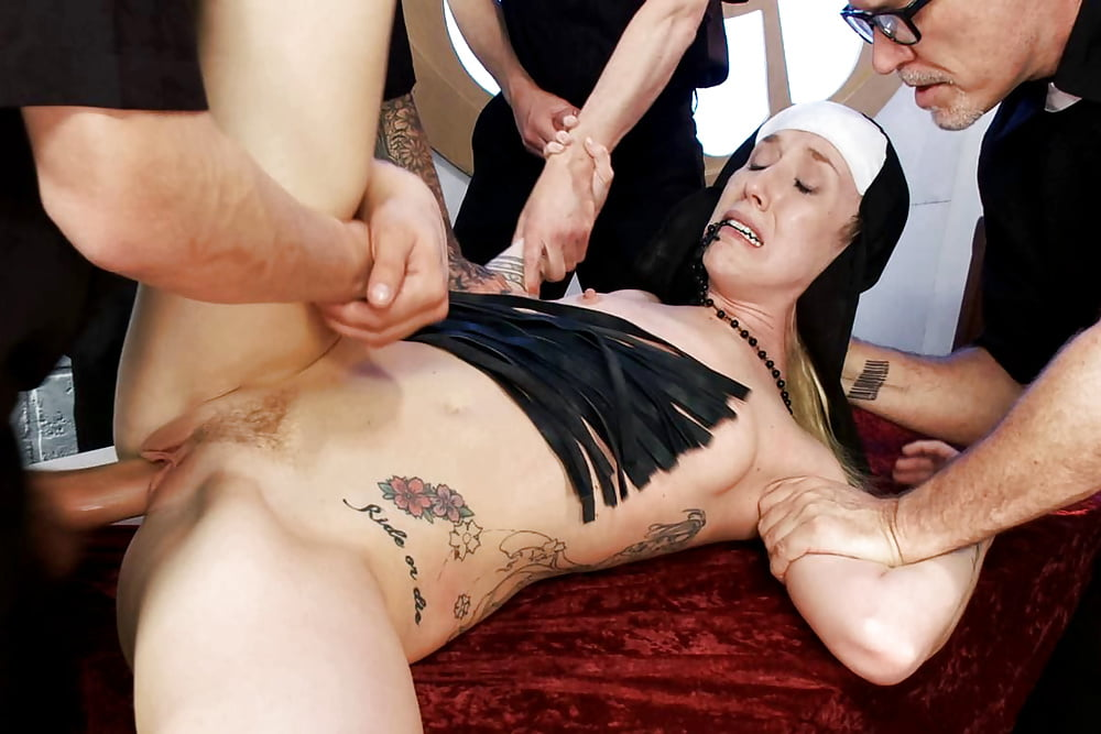 прихожанку ебут в церкви порно онлайн