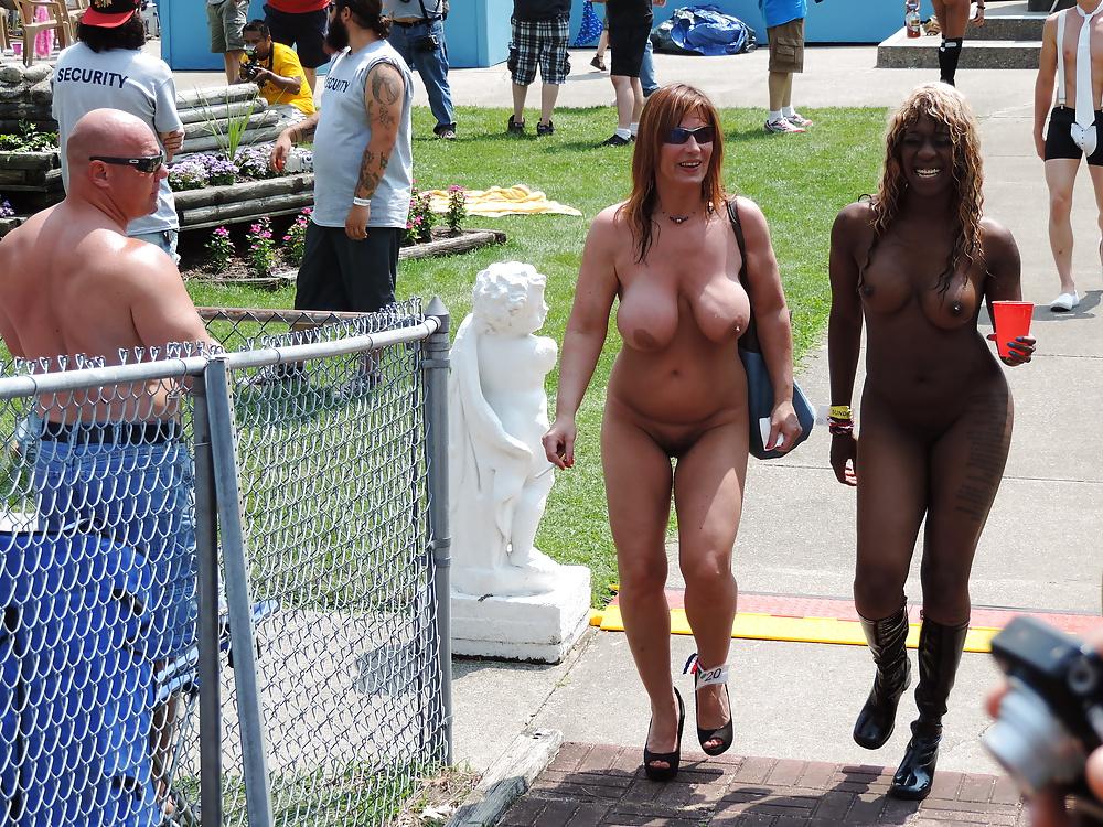 Nude at swingfest