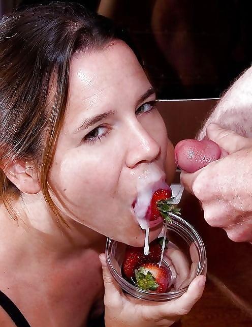 Пьяные парни любят побаловаться клубничкой порно, секс форум видео в машине