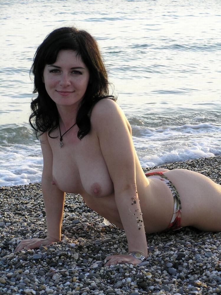 topless-wife-sex-school-parking