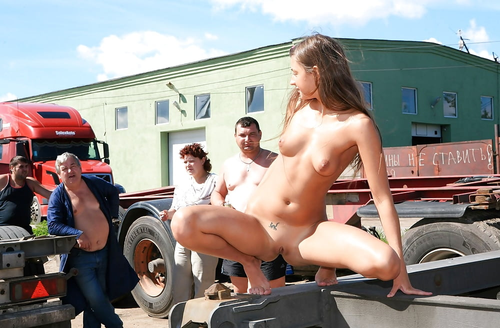 Hot Nude Girls On Trucks