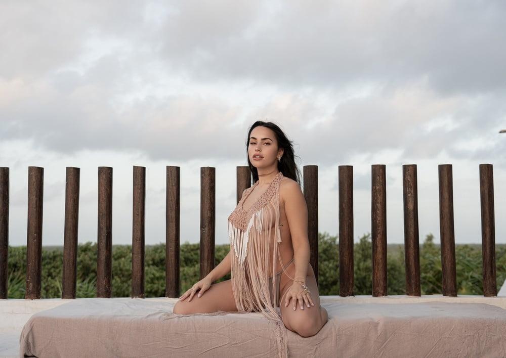Claudia Tihan - 31 Pics