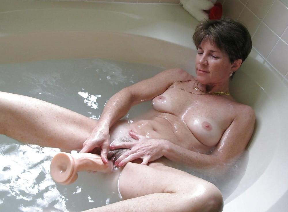 mom-son-nude-bath-loren