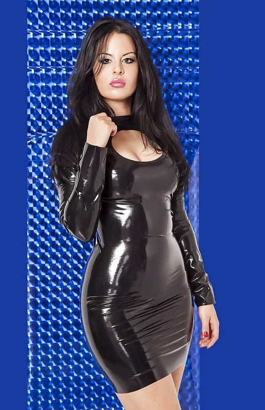 Sexy nude girls in leather dresses — photo 12