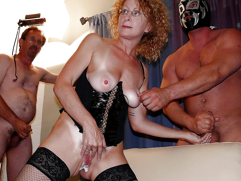 Amateur mature german wife invited over her friends for an orgy