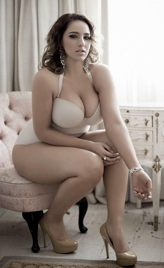 pornohup-sexy-hot-naked-voluptuous-women-porn