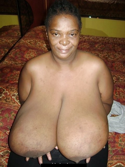 Black Granny Show Her Huge Boobs - 7 Pics - Xhamstercom-3449