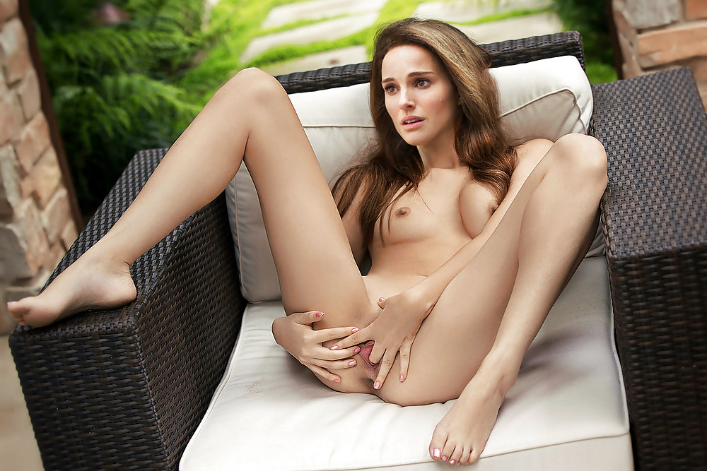 Natalie Portman Nude Fakes Spread Legs